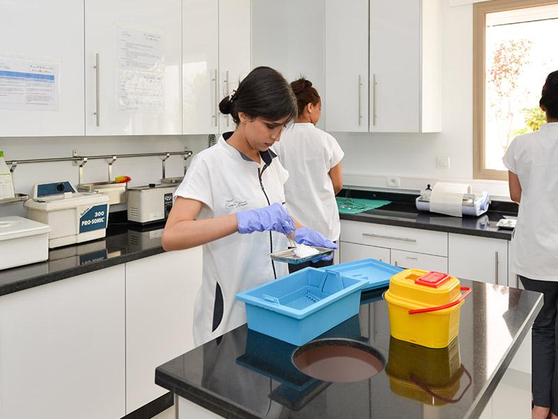 Clinique dentaire d'Agadir Chaîne de stérilisation intégrée